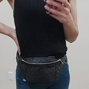 🌻 Forever 21 Satin Quilted Fanny Bag